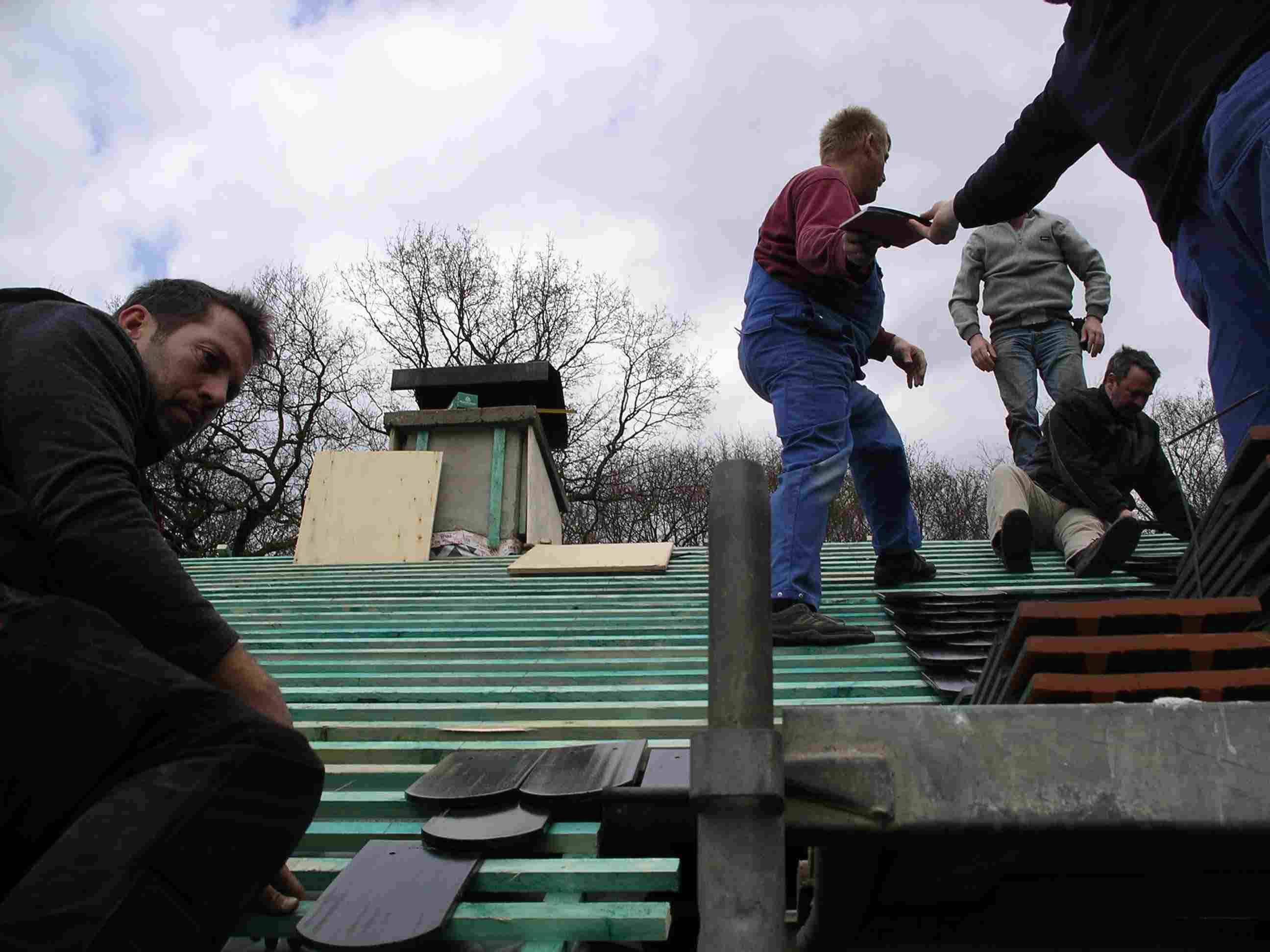 2008_04_Pfadfhaus Dach-12